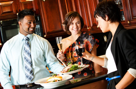 Dinner Party Conversations Attract First-Time Cruisers